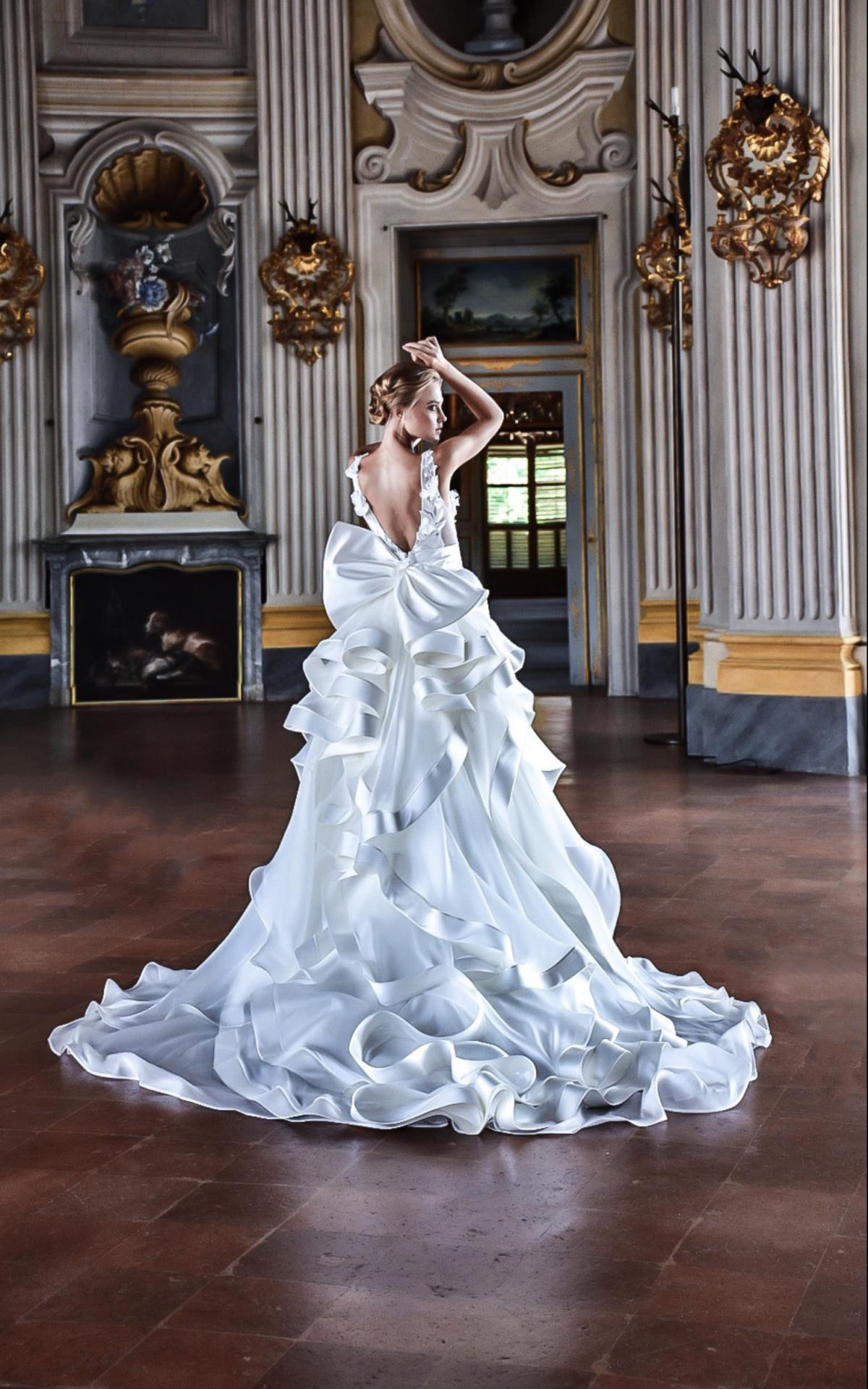 Abiti da sposa scultura creati dallo stilista Blandaleone