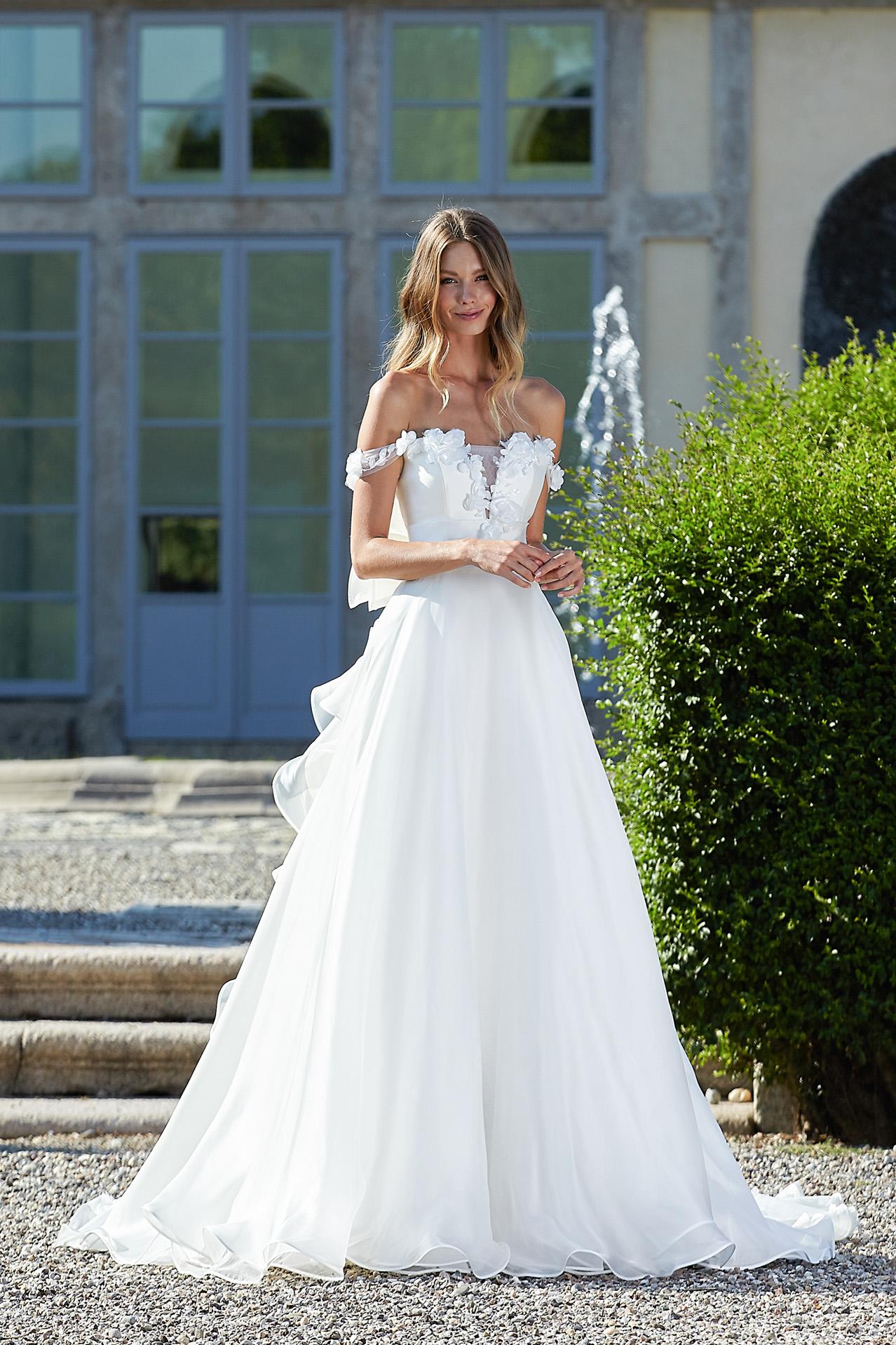 abito da sposa modello 2012 - foto davanti